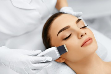 anti-aging, Hyaluron-Behandlung, Ultraschall Massage
